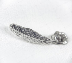 Przypinka, wpinka, pin piórko srebrne metalowe