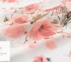 Szyfon łososiowe kwiaty na białym tle