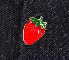 Przypinka, wpinka, pin truskawka (2243)
