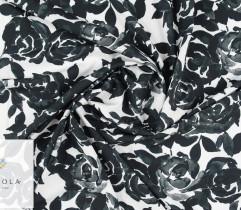 Silki czarne róże na białym tle
