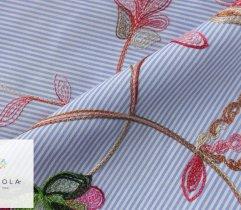 Tkanina haftowana: duże kwiaty - niebieski