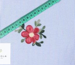 Tkanina haftowana: małe kwiaty - niebieski