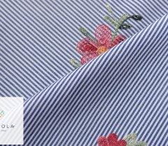 Tkanina haftowana: małe kwiaty - indygo