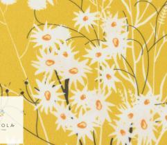 Silki białe kwiaty na żółtym tle