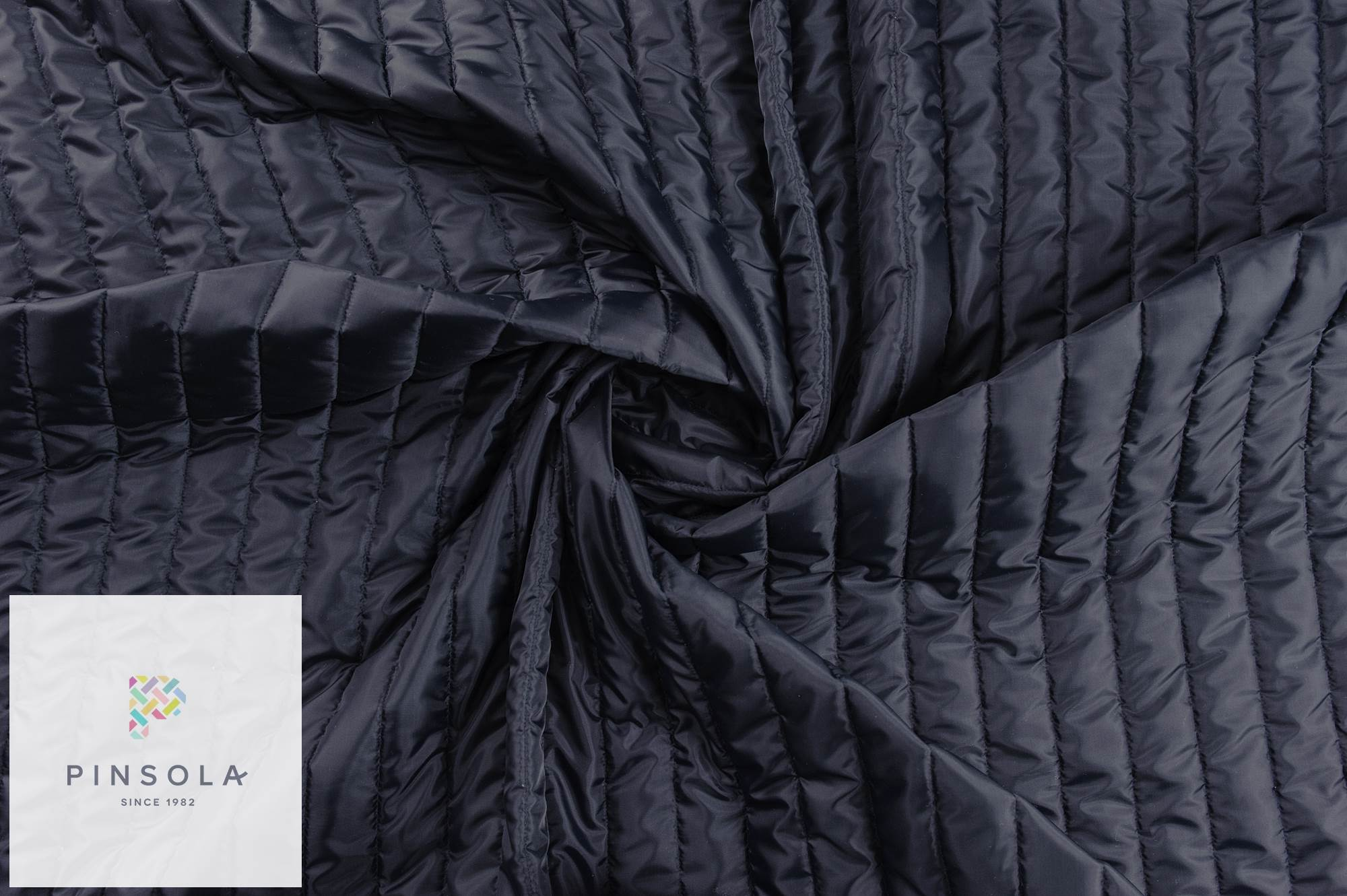 Woven doublsided warming quilted striped 5cm fabric in navy ...