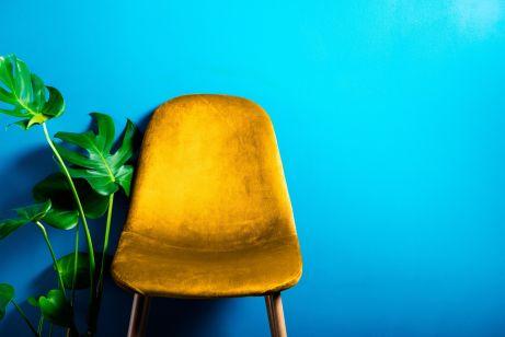 Krzesło z obiciem welurowym